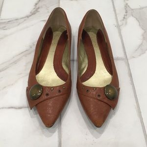 Kenneth Cole pointed toe flats. Size 7